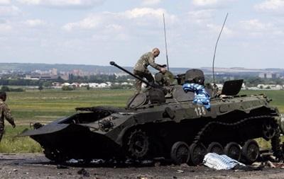 За прошедшие сутки 10 раз обстреляли позиции сил АТО - Минобороны