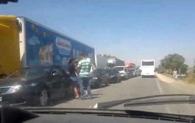 На въезде в Крым образовалась очередь