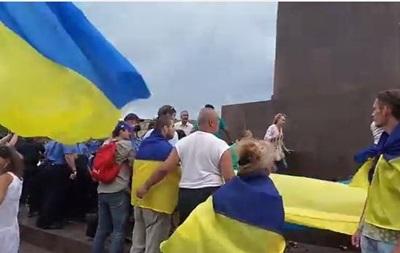 В Харькове возникла стычка между активистами Майдана и Антимайдана