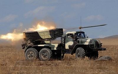 Сепаратисты снова обстреляли позиции сил АТО из Града