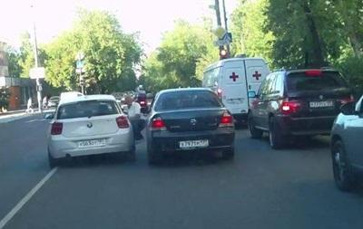 В Москве водитель сбил мужчину за сделанное замечание