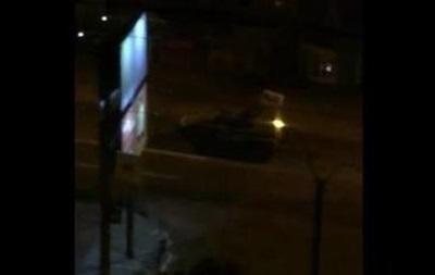 По Донецку ночью проехала колонна военной техники