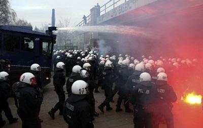 Евросоюз снял запрет на продажу Украине полицейских спецсредств