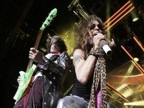 Aerosmith отменили летние концерты из-за травмы вокалиста