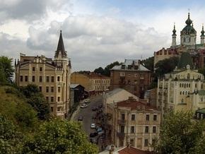 Власти обеспокоены судьбой художников на Андреевском спуске в Киеве