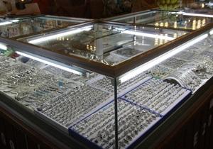 В Москве ограбили два ювелирных магазина на сумму более 13 миллионов рублей