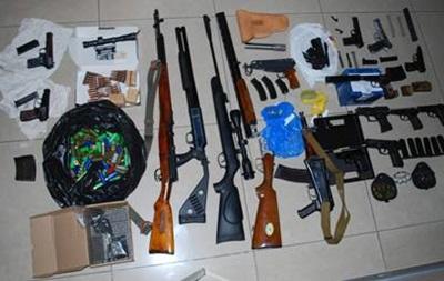 СБУ задержала в Киеве группу торговцев оружием