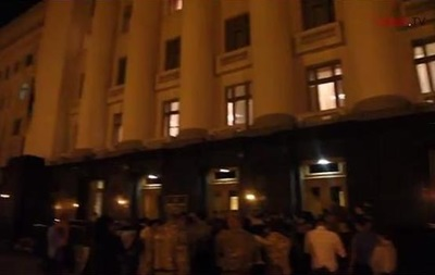 Ночью под АП прошел митинг