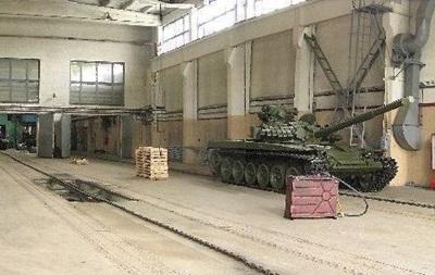 Киевскому бронетанковому заводу дали пять миллионов гривен на ремонт техники