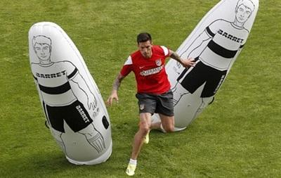 Не вернувшийся в Металлист Соса тренируется в Мадриде