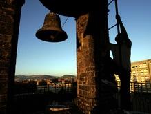 В Греции священника осудили за колокольный звон