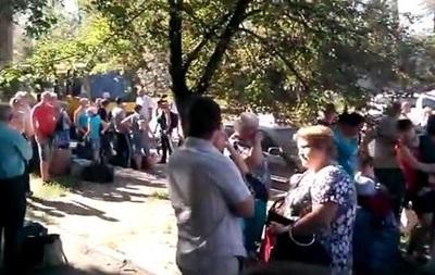 Жители Горловки выезжают из города