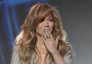 Дженнифер Лопес потребовала от организаторов концертов свечи и кресло любви