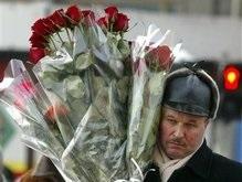 Опрос: Что украинцы подарят украинкам на 8 марта?