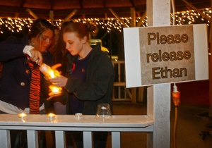 США: пятилетнего ребенка в Алабаме могут удерживать в заложниках в бункере неделю