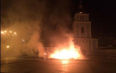 В Киеве сожгли две палатки Евромайдана