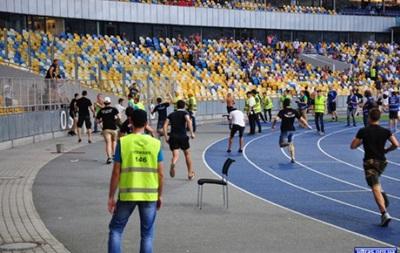 Ультрас Днепра: В фан-секторе на Олимпийском болельщики Днепра были в меньшинстве