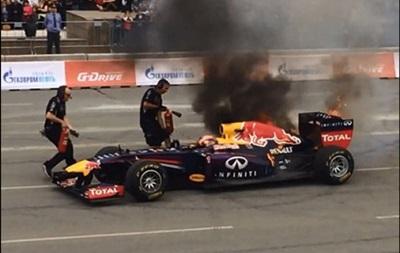 Шоу-кар Red Bull Racing сгорел во время заездов в Челябинске (видео)