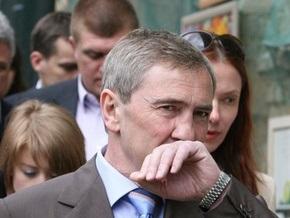 Черновецкий обязал сотрудников мэрии носить марлевые повязки