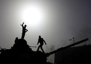 Министр обороны Египта прибыл на центральную площадь Каира
