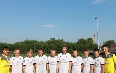 Донецкий Олимпик перед матчем с Динамо представил десять новичков