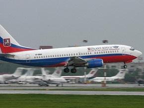 Boeing 737 совершил аварийную посадку в Москве