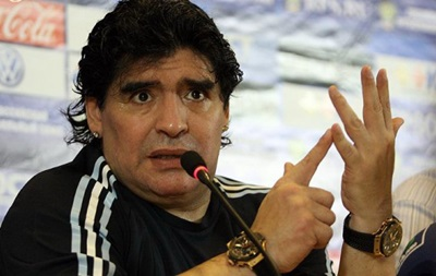 Диего Марадона нанес пощечину журналисту