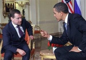 Медведев заявил Обаме о недопустимости жертв среди мирного населения Ливии