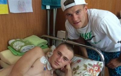 Футболисты Динамо навестили раненых бойцов АТО