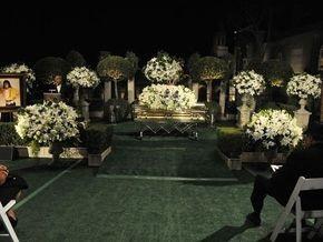 Фотогалерея: Майкл Джексон похоронен в Большом мавзолее