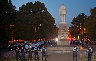 В Кривом Роге властям дали 10 дней на демонтаж памятника Ленину