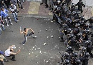 В Египте у стен посольства США вспыхнули новые беспорядки