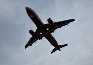 В Симферополе из-за драки на борту вынужденную посадку совершил самолет Дубай - Киев