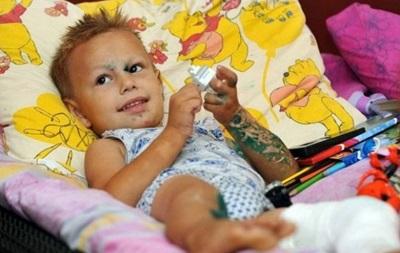 Шахтер передал медикаменты детям из зоны боевых действий