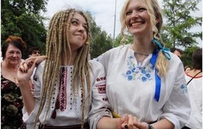 В Ивано-Франковске собирают вышиванки для жителей Донбасса