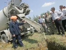 Ющенко заложил фундамент под опору во Львовской области