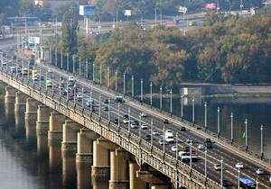 новости Киева - мост Патона - ремонт - Власти обещают завершить ремонт тротуаров на мосту Патона до конца года