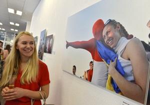 Фотогалерея: Две страны - одна история. В Киеве открылась фотовыставка, посвященная Евро-2012
