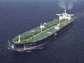 Захваченный пиратами танкер перевозил 2 млн баррелей нефти