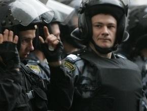 В Киеве выявили подпольный склад дорогих часов и телефонов