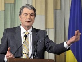 Ющенко подарили котенка взамен пропавшего