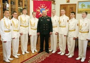 Минобороны: В Украине пора снять собственный военно-патриотический фильм