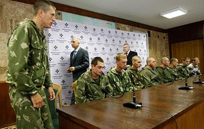 Порошенко пообещал Путину передать России задержанных военных