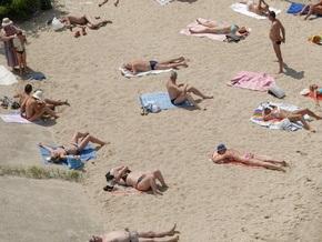 В Запорожье водитель BMW переехал отдыхающую на пляже девушку