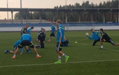 Тренер сборной Украины отправил из лагеря команды троих игроков