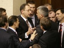 Яценюк: В Раде происходит масштабная политическая афера