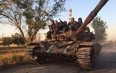 Украинские танки покинули восточную часть Мариуполя – журналист