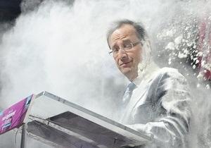 Главного соперника Саркози по выборам обсыпали мукой