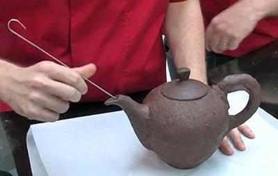 В Великобритании сделали чайник из шоколада