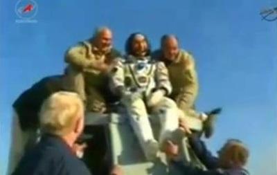 Капсула с тремя членами экипажа МКС успешно приземлилась в Казахстане